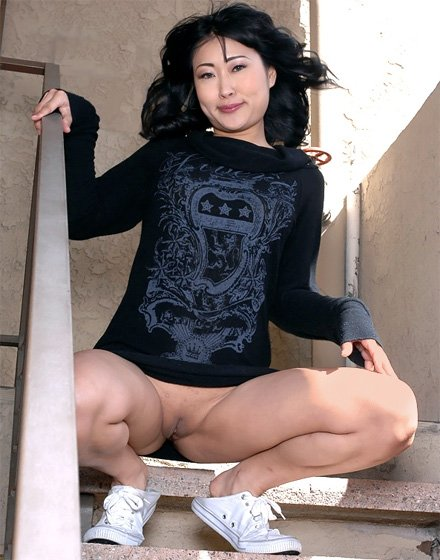 Asian Babes Upskirt